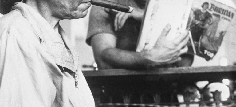 El Lector, Cigar factory reader